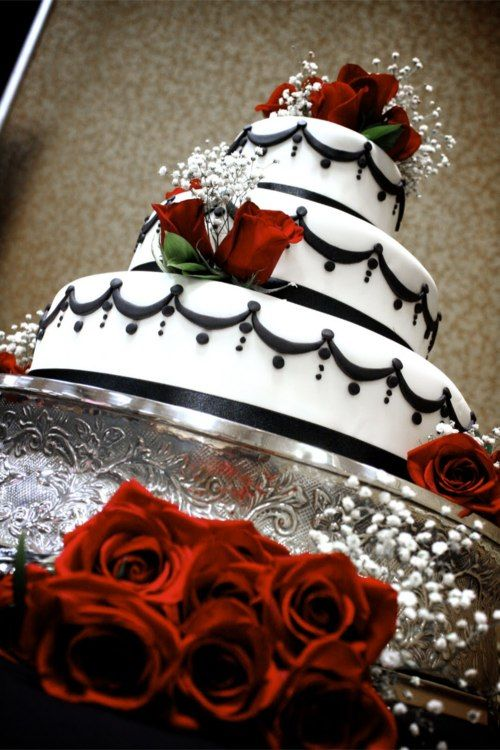 Wedding cake Black Red White | Carissa\'s Wedding | Pinterest ...