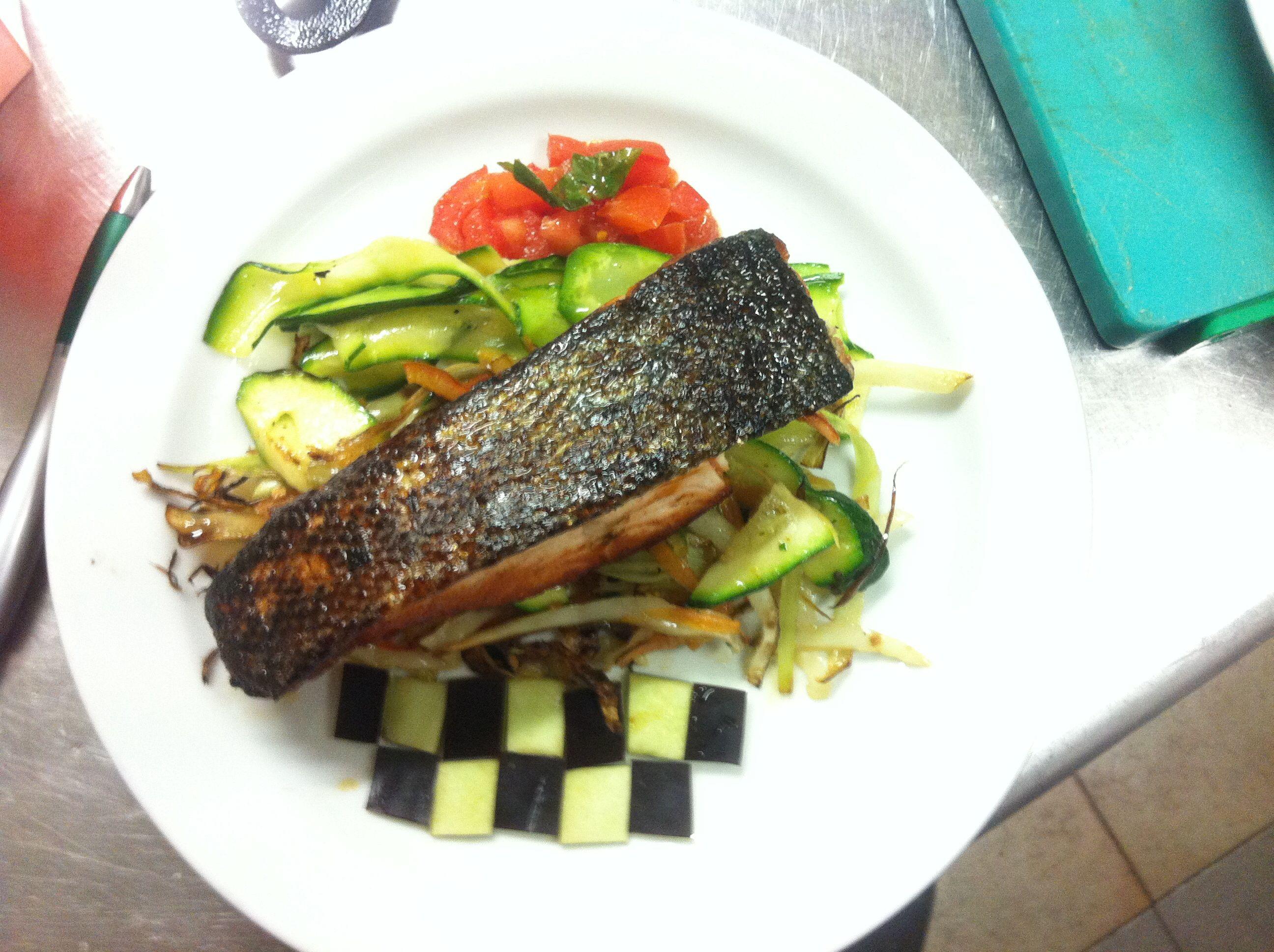 Filetto di Salmone con verdure all'orientale