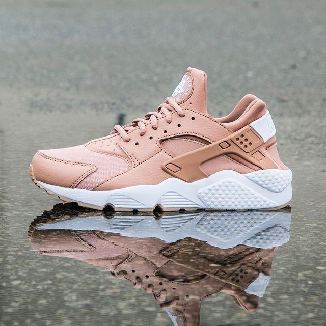 Women S Nike Air Huarache Shoes Nike Shoes Huarache Nike Free Shoes Nike Air Huarache