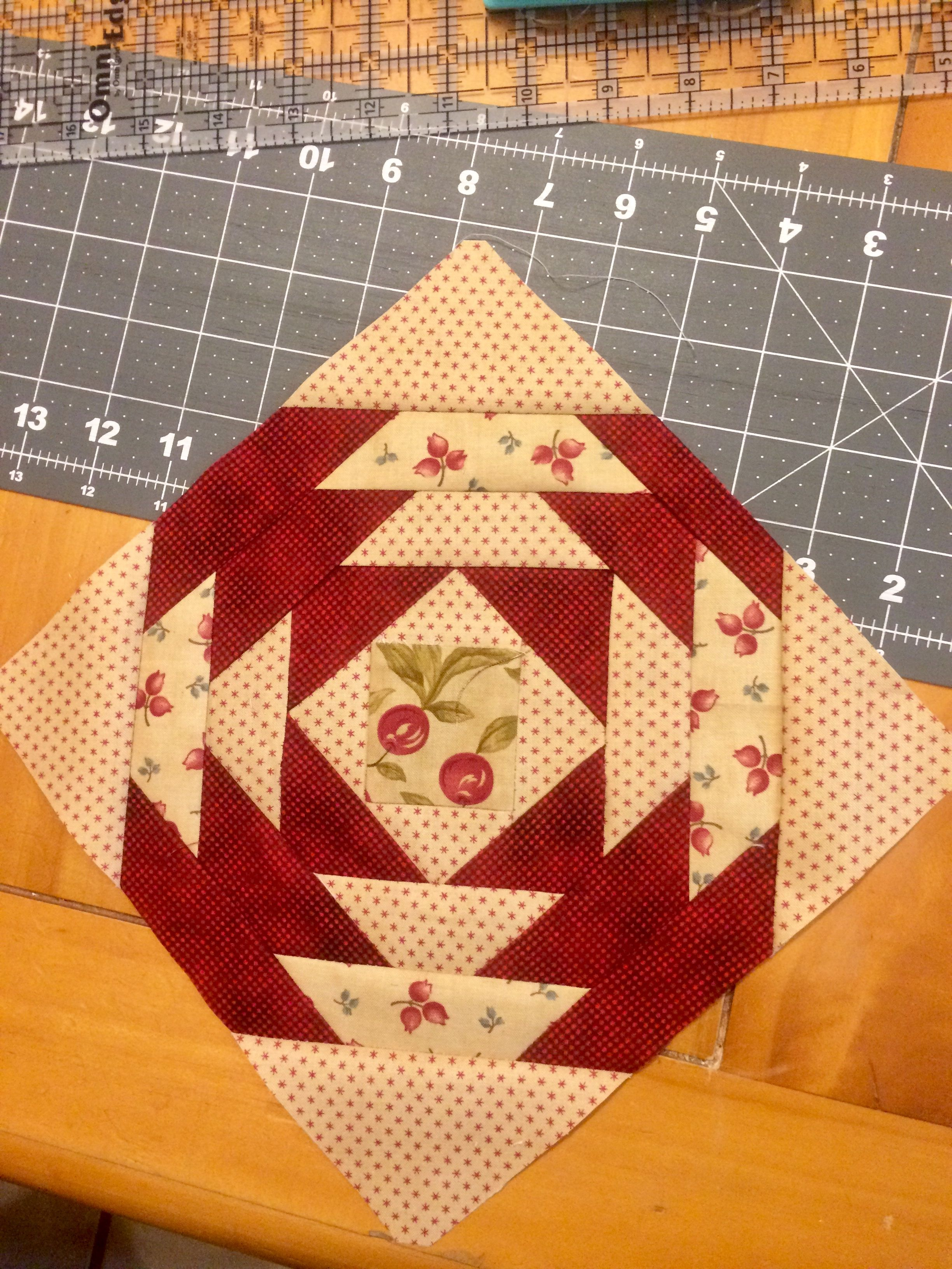 Square | quilting ideas | Pinterest | Patchwork, Patterns and Sewing ...