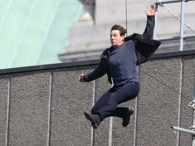 Why Does Tom Cruise Do His Own Stunts Tom Cruise Tom