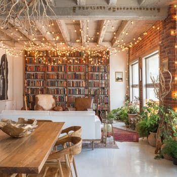 An Artsy Downtown Loft in LA Bursting with Books #rusticmoderndecor