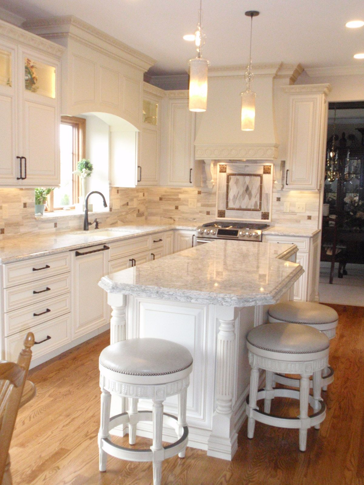 Best Toshe Design Kitchen Remodel Geneva Il With Images 640 x 480