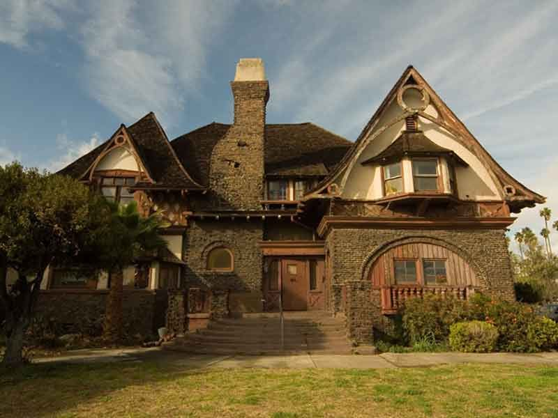 Victorian craftsman homes los angeles for sale for Craftsman house for sale