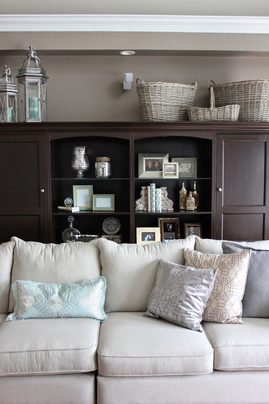 Maison Decor Shabby Chic Style With Dark Furniture