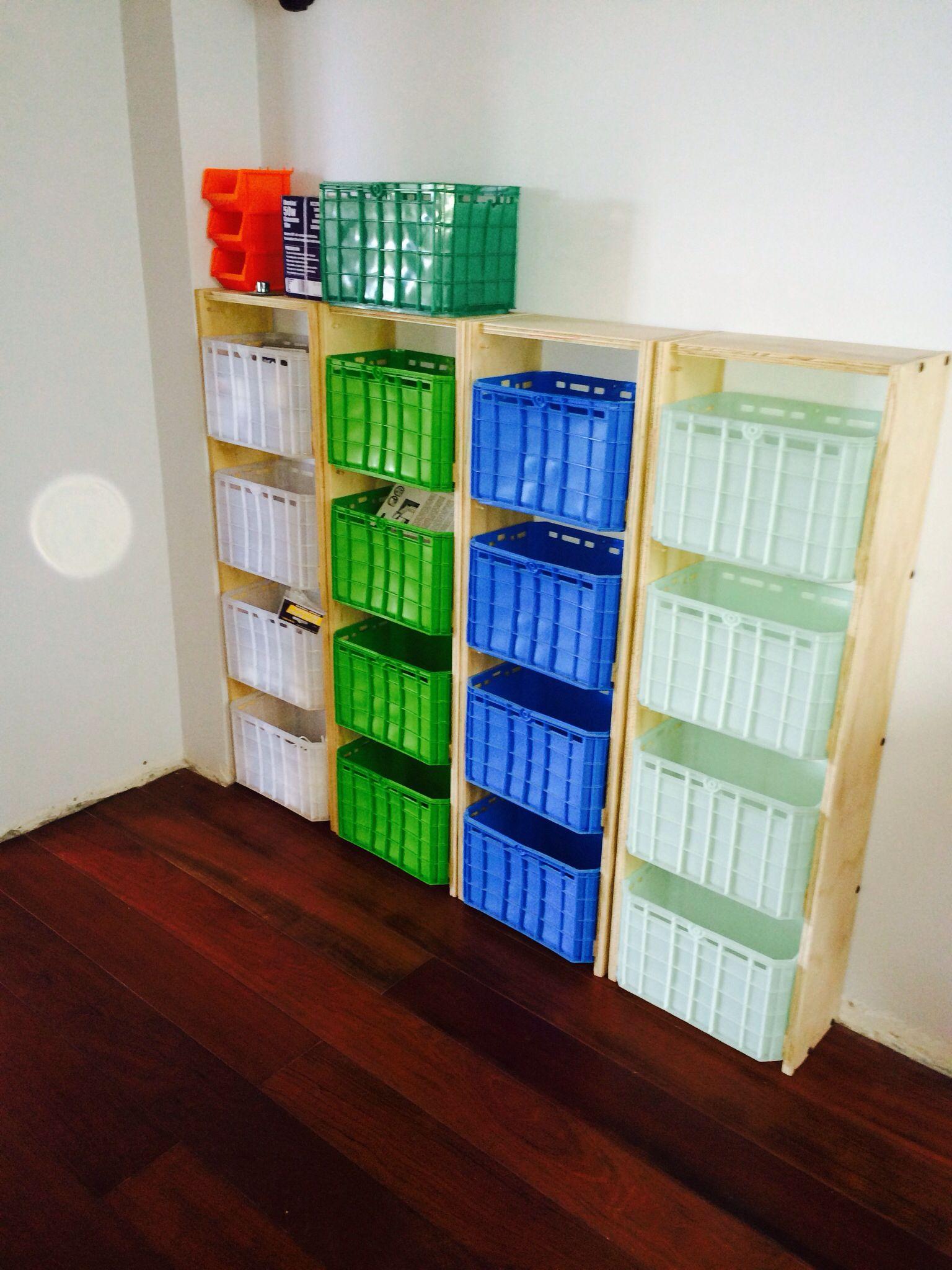 Mueble cajas plasticas | Muebles | Pinterest | Cajas plasticas ...
