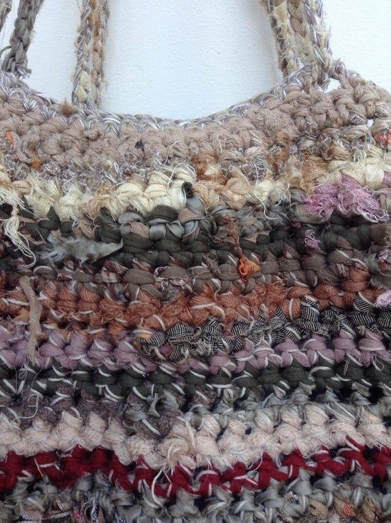 Photo of Borsa fatta a mano da riciclato strisce di tessuto e maglia di lana. Borsa di Crocket con tessuto strisce. OOAK