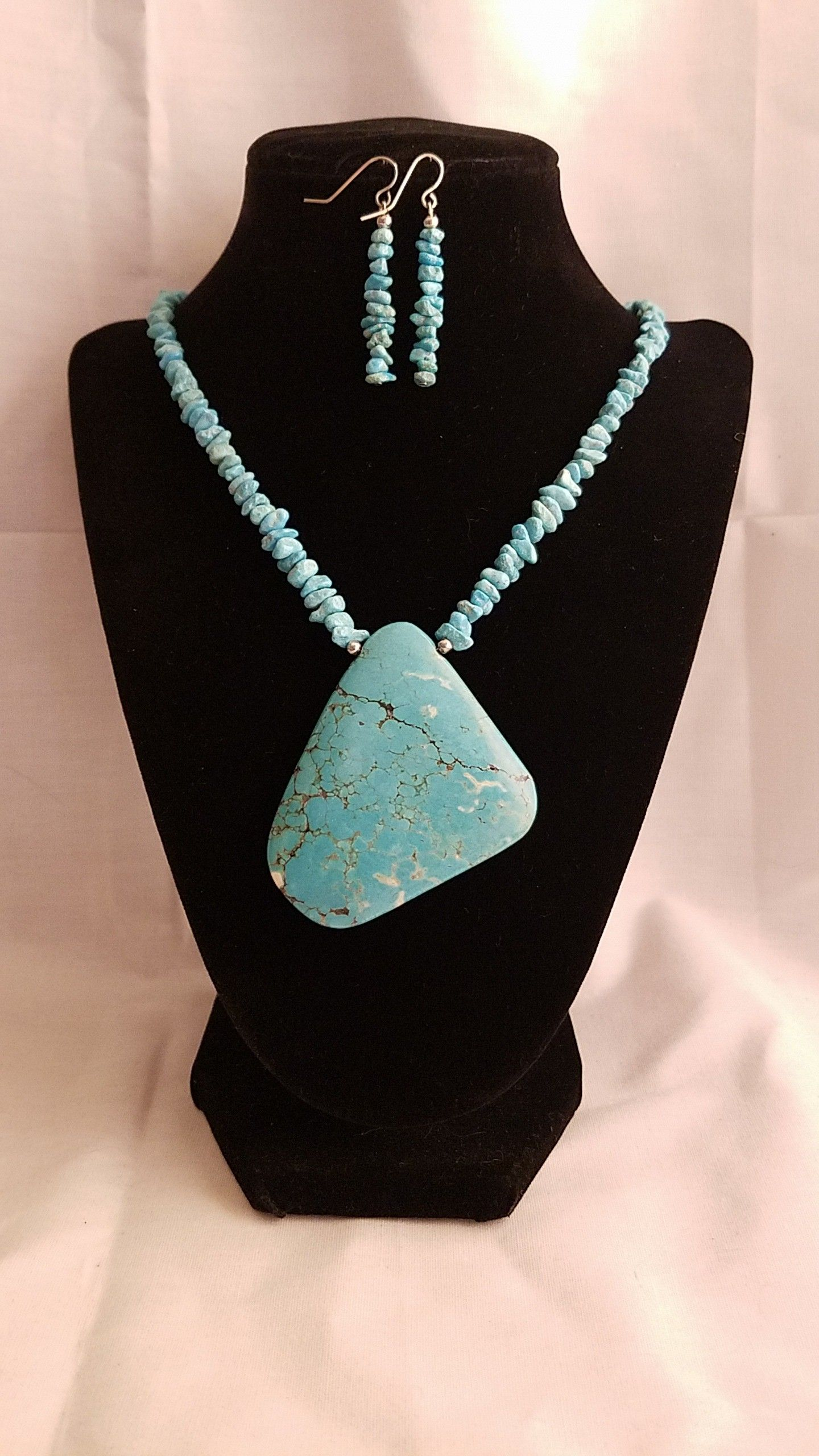 The azure tribute turquoise necklace is rich with color and will add