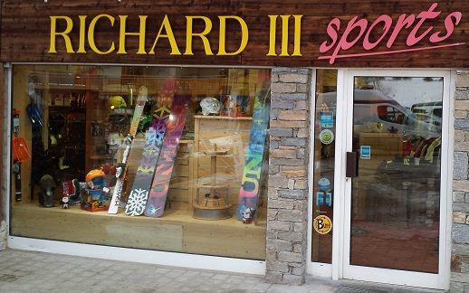 Ski Shop...Richard III au rond point des pistes