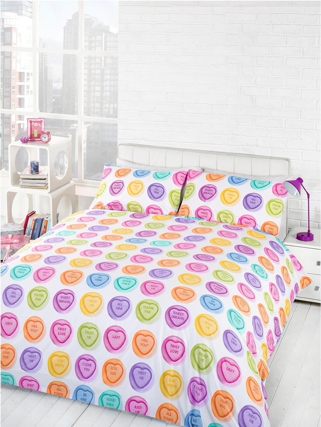 Love Hearts Hug Me Duvet Cover And Pillowcase Set In Single Double Sizes Sweet As Candy This Will Give Your Bedroom A Fun