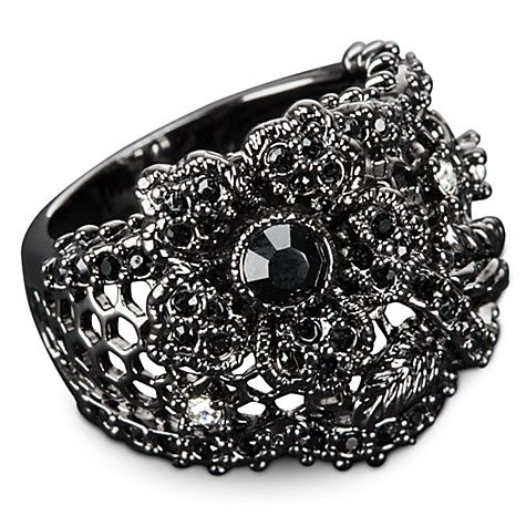 I just love this Snow White line of jewelry