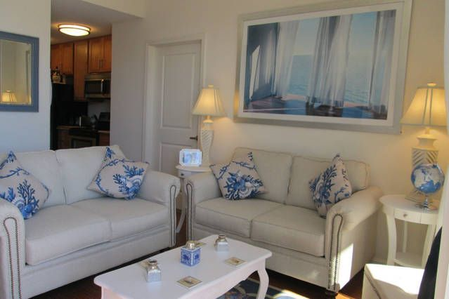 Beautiful City Place Apartment - Get $25 credit with Airbnb if you sign up with this link http://www.airbnb.com/c/groberts22