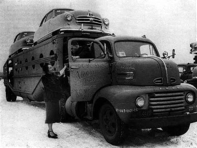 1950 Ford F-6 COE tractor, with fifth wheel car hauler in the snow