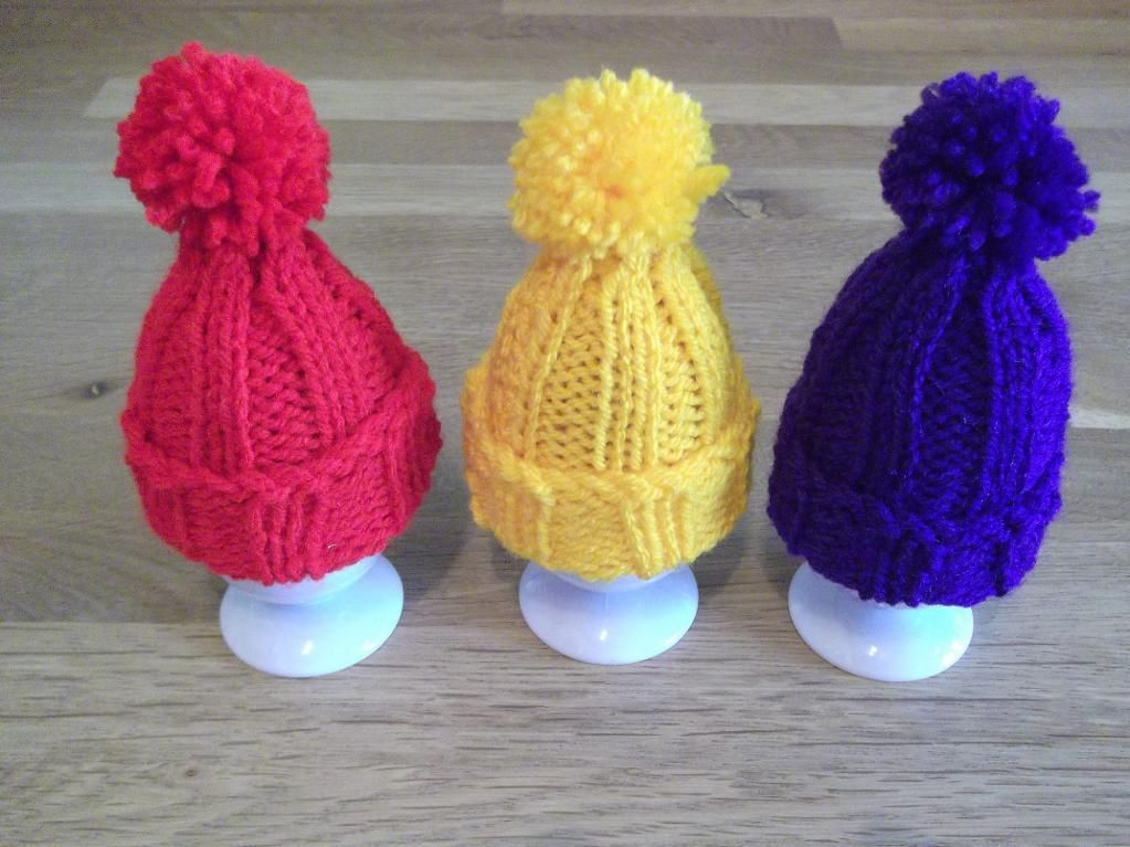 Egg Cosy ~ Pompom Hat | Cosy, Egg and Knitting patterns