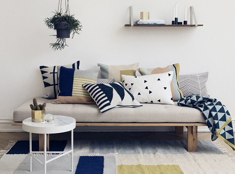 Daybed With A Diy Platform And Twin Mattress
