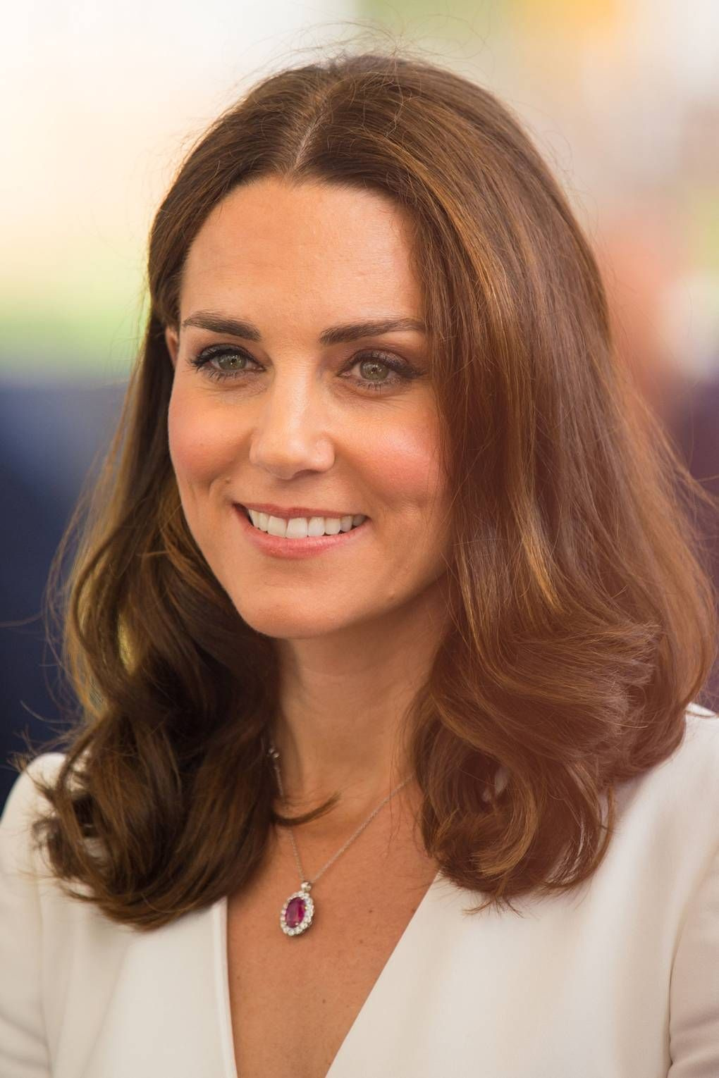 The Duchess Of Cambridge S Most Memorable Hair Moments Kate Middleton Hair Kate Middleton Makeup Kate Middleton
