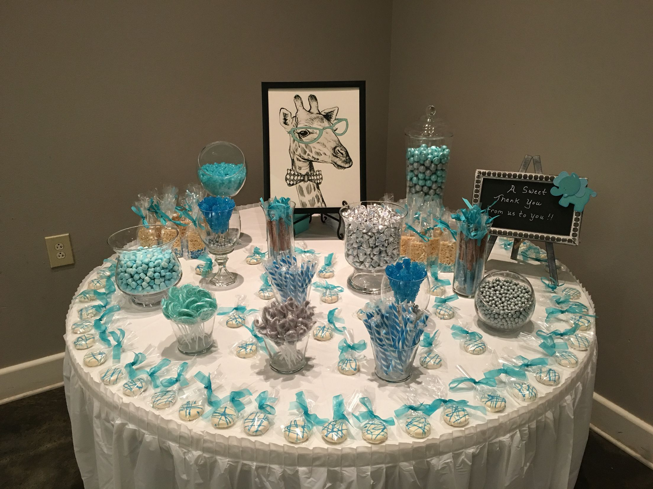 Candy bar, elephant theme baby shower | Baby shower ideas ...