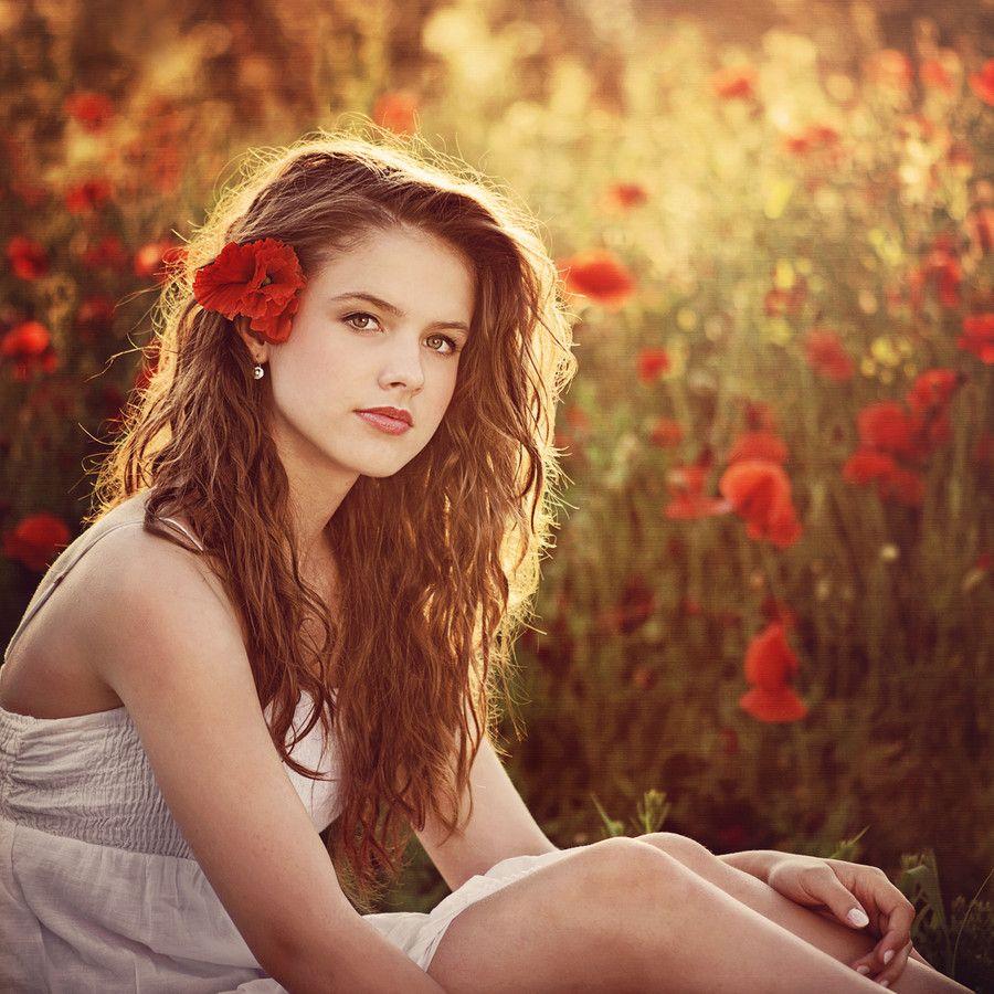 Beautiful portrait by Jana Kvaltinovam, found at 500px.com