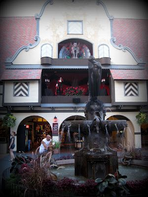 Williamsburg halloween this is one of the funniest - Busch gardens williamsburg halloween ...