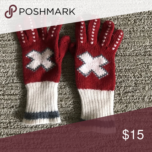 Wool gloves Very soft and comfy. Great condition. Don't forget to add any two things in my closet and receive an extra 10% off! no trades Accessories Gloves & Mittens