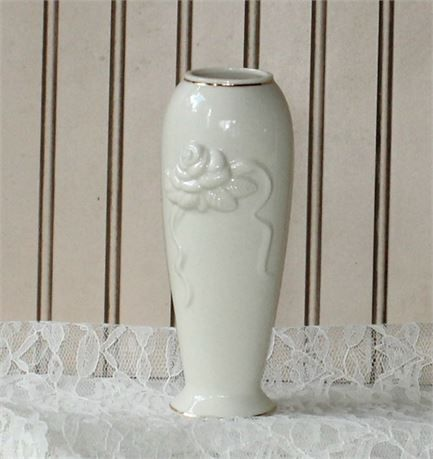 Beautiful Lenox Bud Vase In Perfect Condition Obtained From A