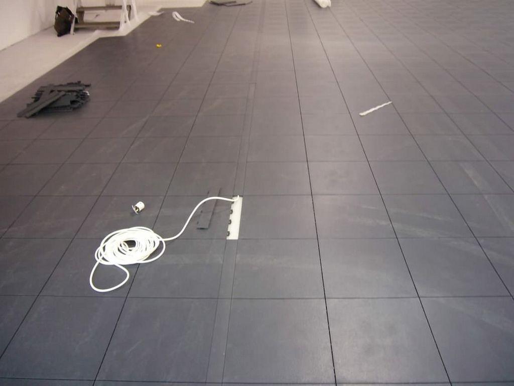 kabelkanal mit leitung 1 hallenboden industrie gewerbe pinterest boden kabel und industrie. Black Bedroom Furniture Sets. Home Design Ideas