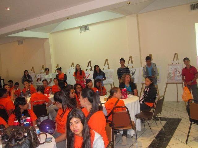 """<p>* Mediante el concurso de carteles """"Por una Juventud Comprometida en Promover la Salud Sexual""""</p>  <p>NCG, Chih.- Estudiantes de"""
