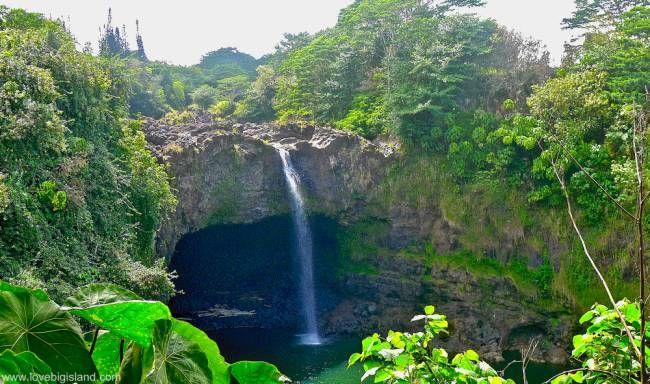 Rainbow Falls (Waiānuenue) in Hilo on the Big Island (Hawai'i) #rainbowfalls