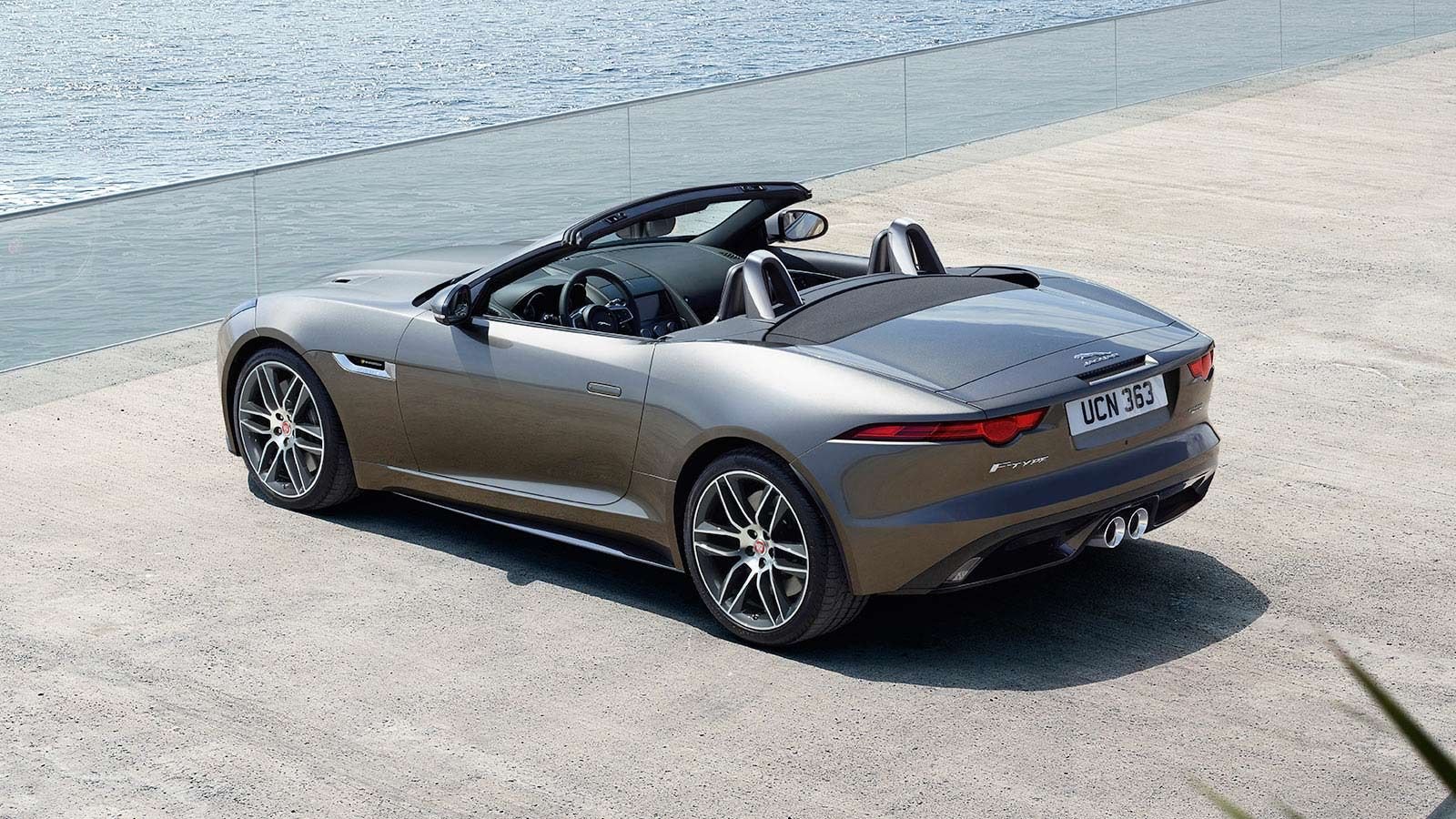 Take A Look Through The 2020 Jaguar F Type Convertible Image Gallery For A Better Look At All That This Stunning Jaguar Convertible Jaguar F Type Jaguar Sport
