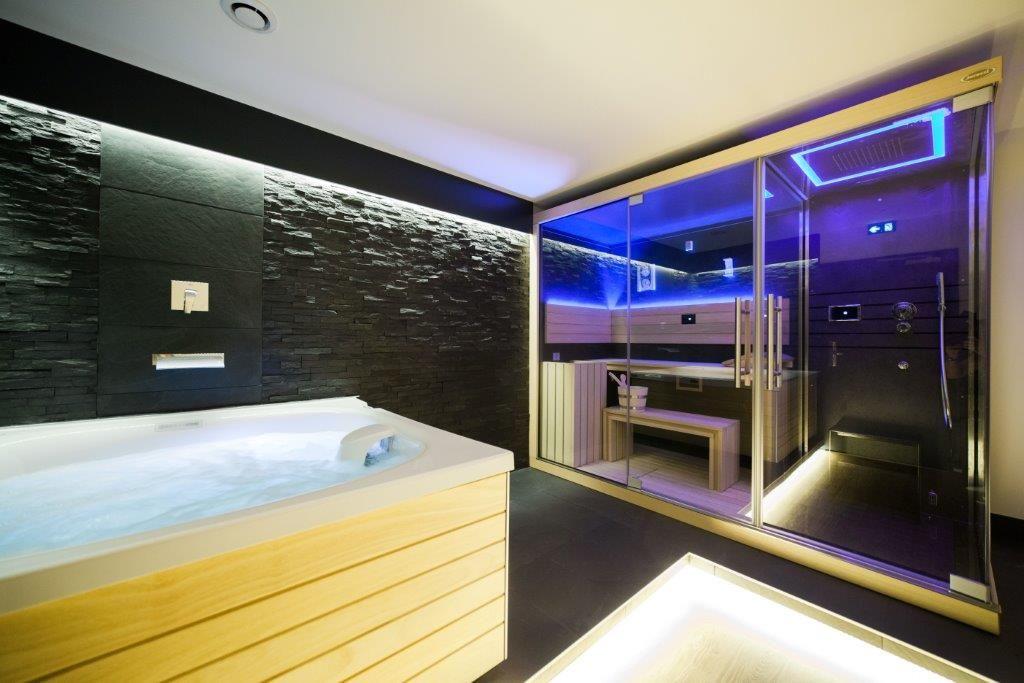 1 2 Un Espace Wellness Intimiste Particulierement Adapte A L Hotellerie Constitue Par Un City Spa Et Un Combine Hammam Dou Des Salles De Spa Spa Spa 2 Places