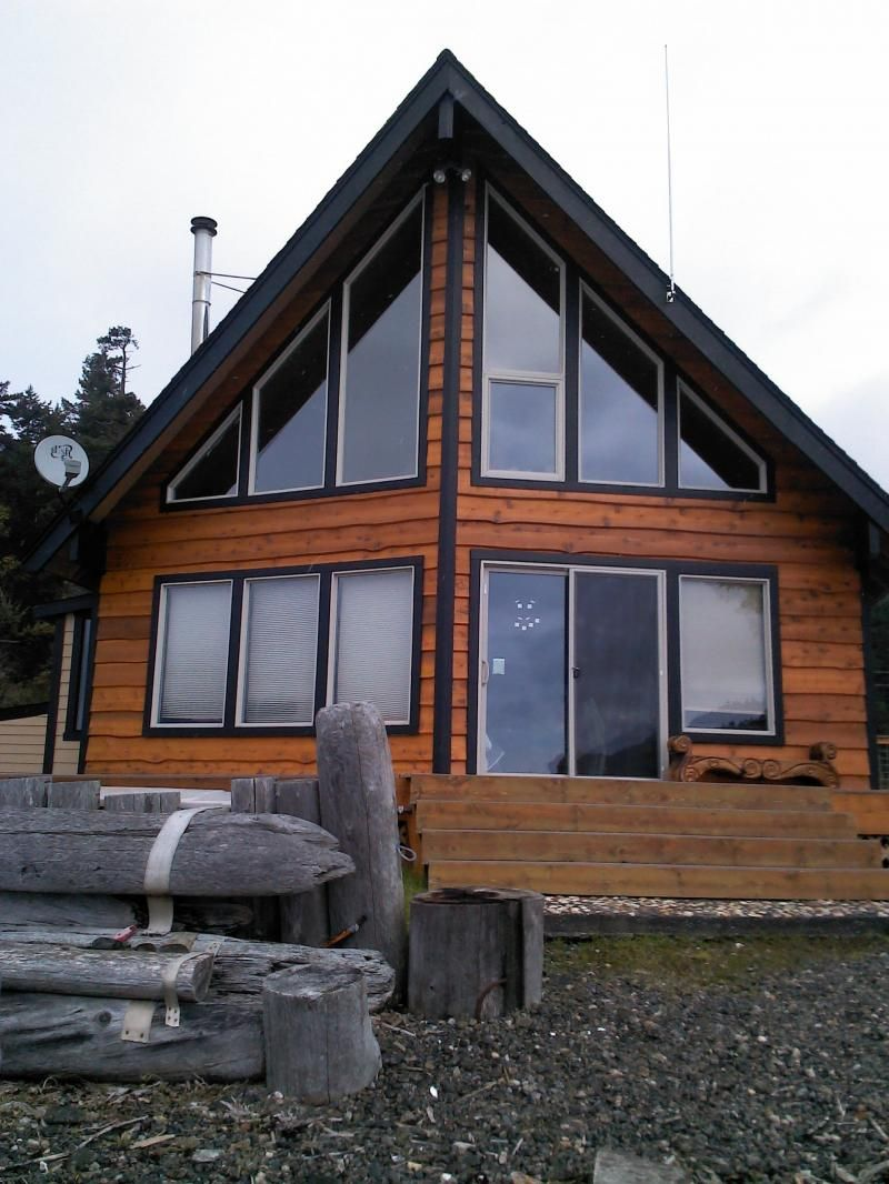 Beach Cabin with Western Red Skirl Siding