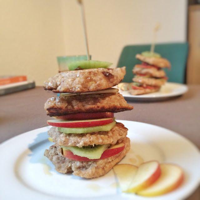 Fruhstuck Pancakes Mit Haferflocken Musli Kolln Kollnflocken Frucht Haferflocken Pancakes Rezepte Lebensmittel Essen