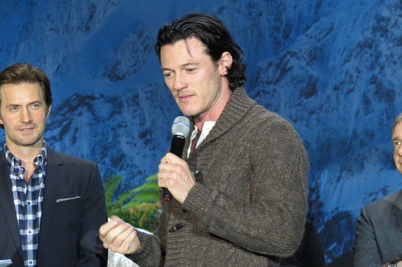 Richard and Luke ~ 'Book of New Zealand' brings out Hobbit stars in LA - Photogallery - Entertainment - 3 News