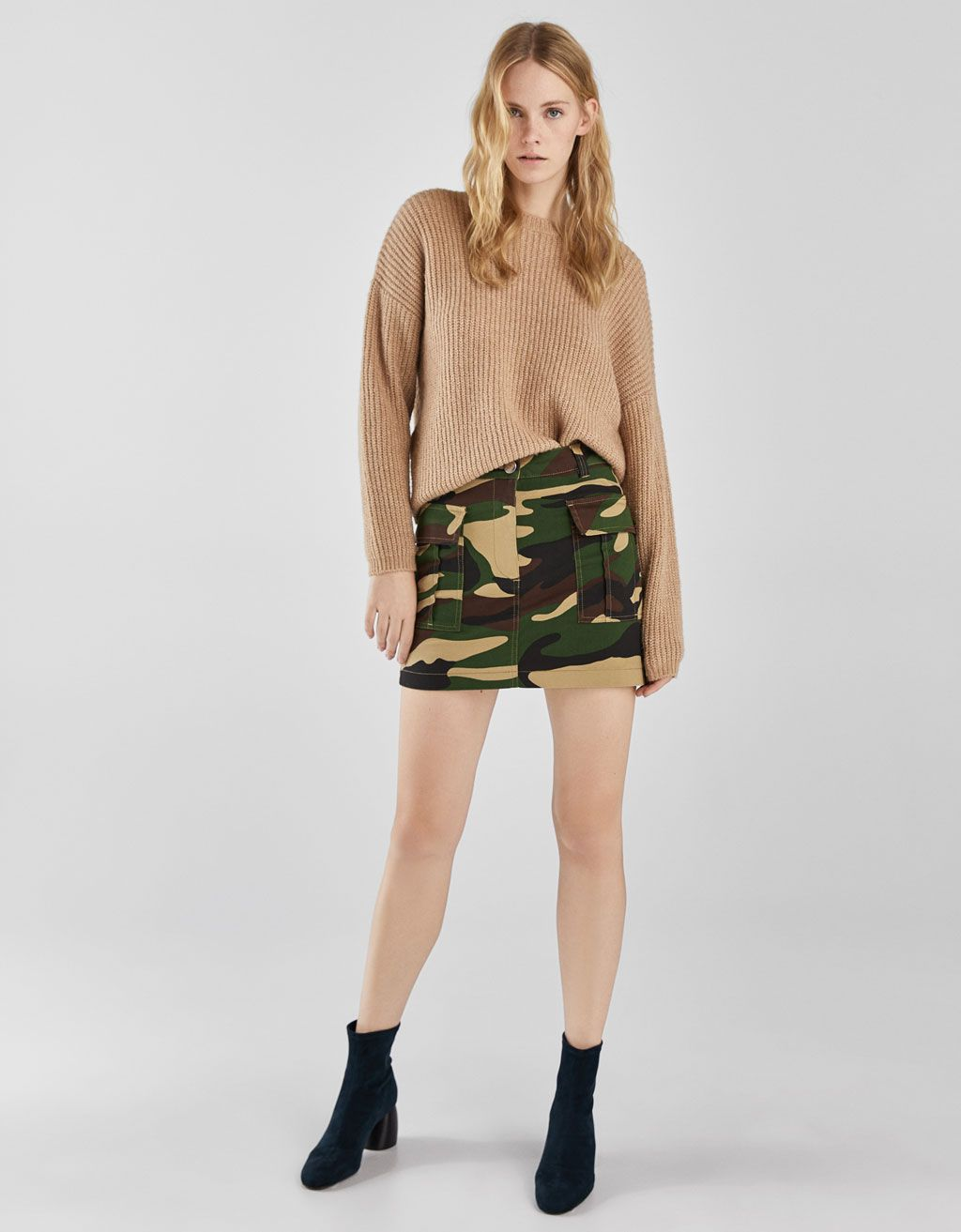 a524ee47a2436e Skirt with camouflage print and pockets - Bershka #newin #trend #trendy  #cool #fashion #aw18 #outfit #ideas #inspiration #look #camouflage #army  #cargo ...