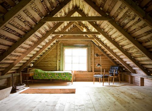 The attic in my childhood home looked exactly like this. What I wouldn't give to have that space now. So many possibilities. #space #attics