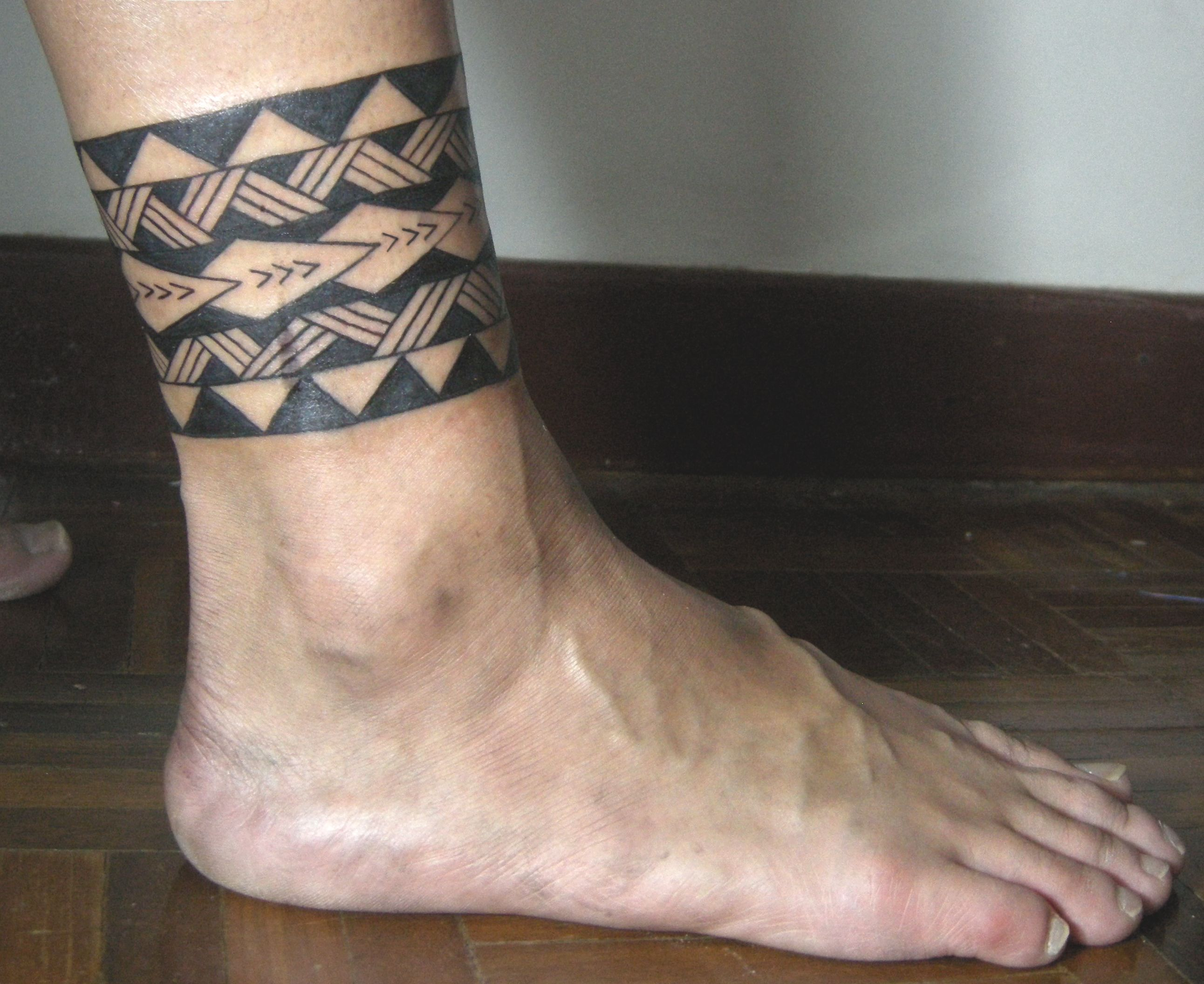 Tribal leg band tattoo tribal band tattoo polynesian for Ankle tattoos for guys