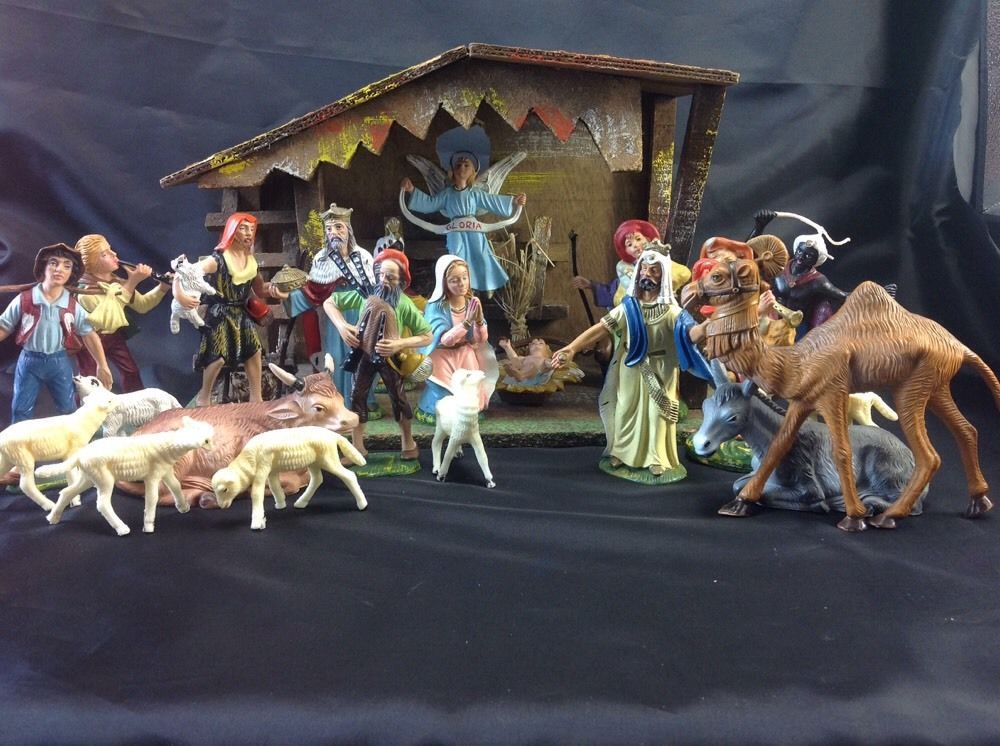 Italian Nativity Scene With Manger 21 Hand Painted Figurines Italy Nativity Hand Painted Nativity Scene