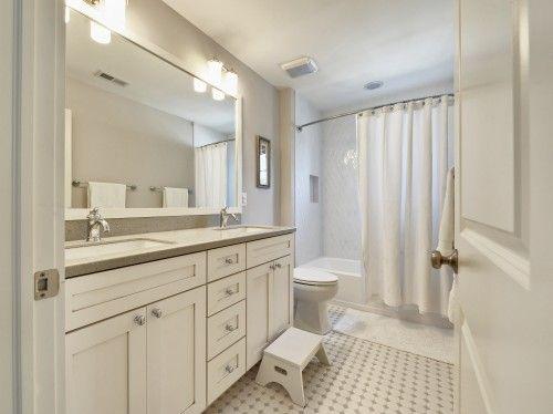Closet Thing I Ve Seen Yet Single Sink Bowed Curtain Bar