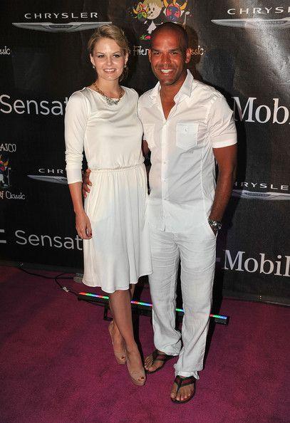 Amaury nolasco dating Jennifer Morrison starte opp en hastighet dating Business