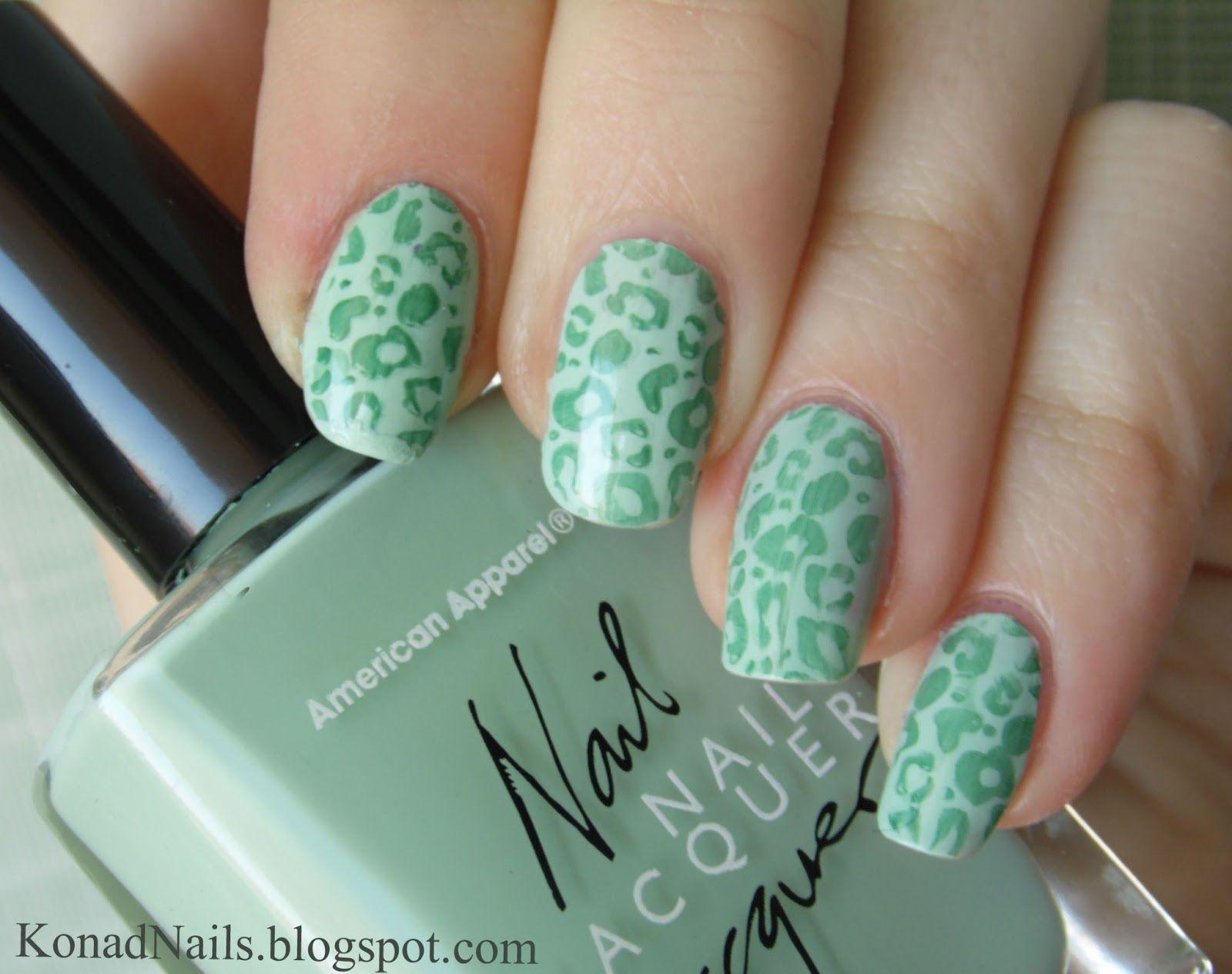 Konad m57 en doble verde | Nails | Pinterest | Uña decoradas ...