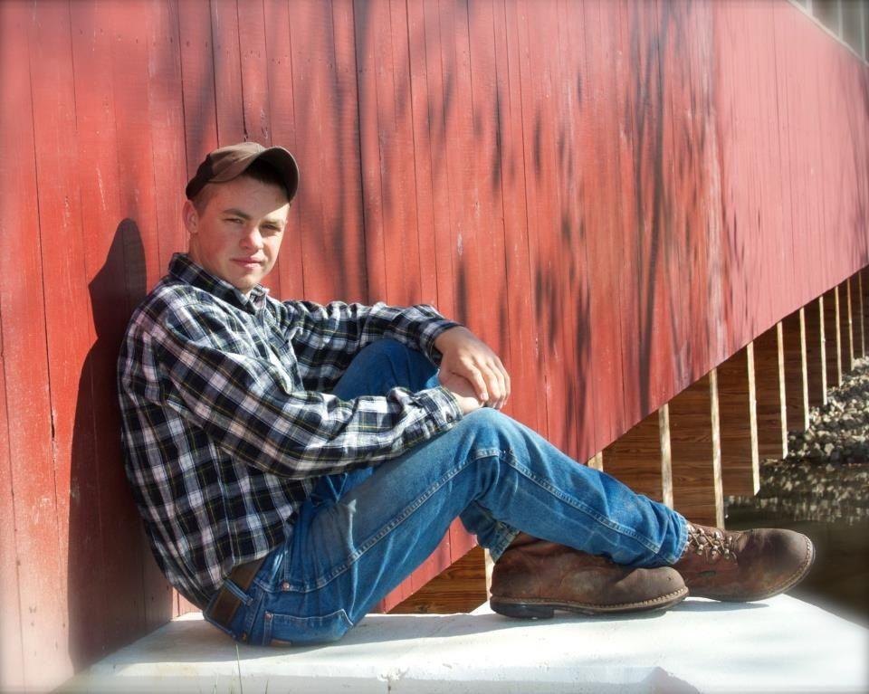 Country boy senior picture | Senior Portrait Ideas | Pinterest