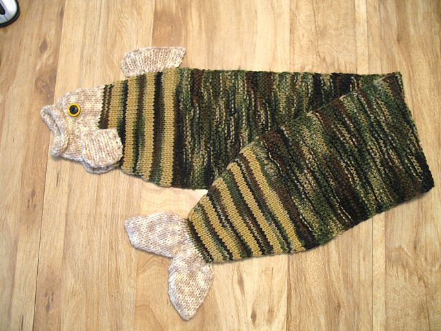 Ravelry: Project Gallery for Scarfish pattern by Thelma Egberts