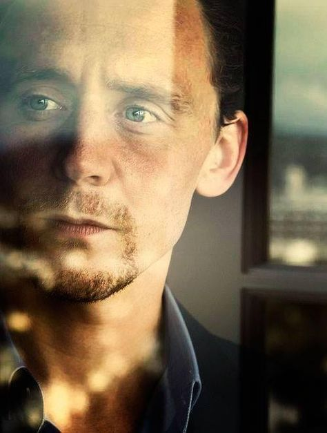 Tom profile. Not sure what photoshoot this is from.