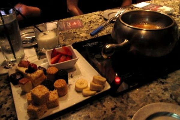 CREME BRULEE FONDUE  The Melting PotCopycat Recipe   Serves6-8   1 packagewhite chocolate chips   1/4 cupheavy whipping cream  1 1/2...