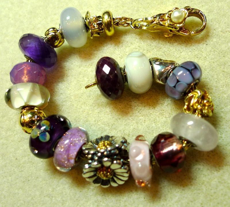 Photo Of An All Gold Bracelet Featuring The Daisy Bead