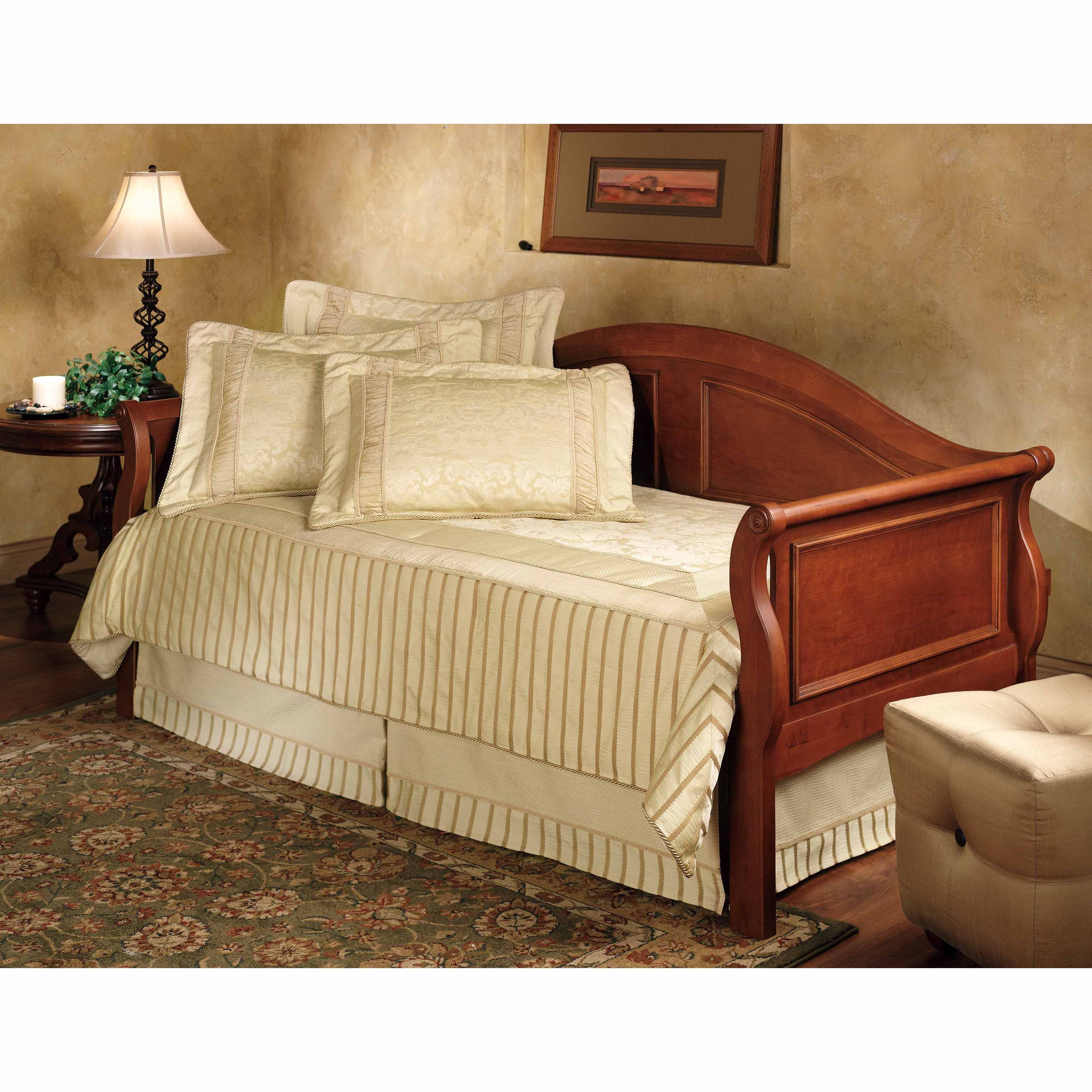 Hillsdale Bedford Daybed Wood daybed
