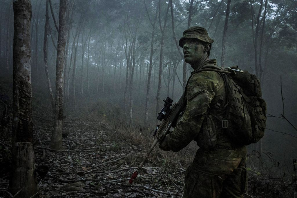 Australian Army soldiers from 8th/9th Battalion, Royal Australian Regiment, during Exercise Haringaroo near Kota Bharu, Malaysia, on 27 May 2016.
