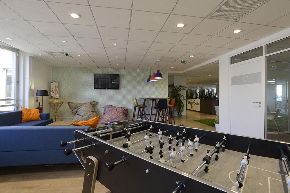 chez ecovadis une entreprise qui mise sur le bien tre des salari s l espace de travail est. Black Bedroom Furniture Sets. Home Design Ideas