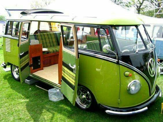 die besten 25 oldtimer bus ideen auf pinterest vw hippie van kombis und volkswagen westfalia. Black Bedroom Furniture Sets. Home Design Ideas