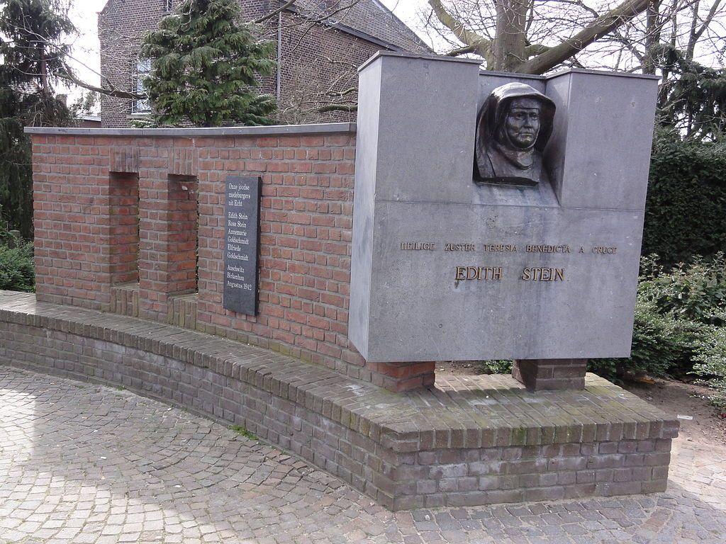 Echt (Limburg) oorlogsmonument joden uit Echt en Edith Stein.JPG